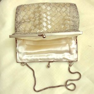 LA REGALE VINTAGE SILVER MINI PURSE